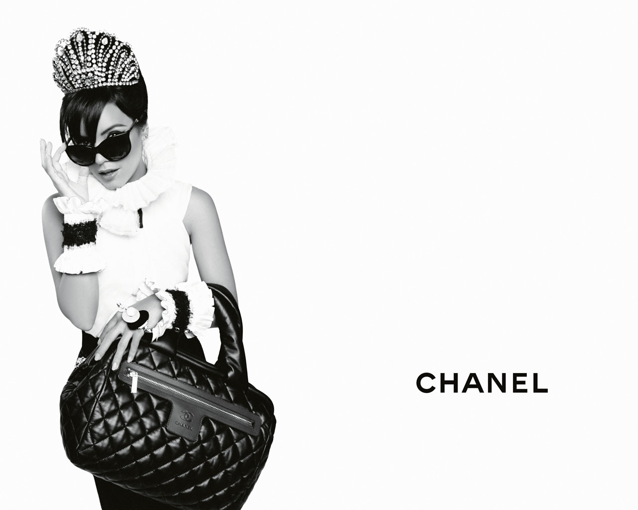 chanel-coco-cocoon-lily-allen-advertising-campaign-by-karl ...